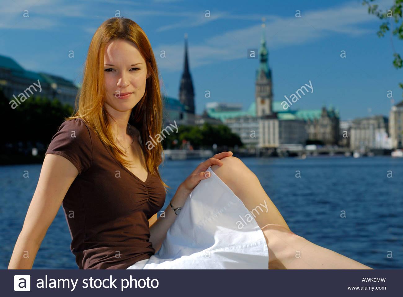 Deutschland Hamburg Stadt Großstadt Tag tagsüber Alster Binnenalster Alsterfontäne Jungfernstieg - Stock Image