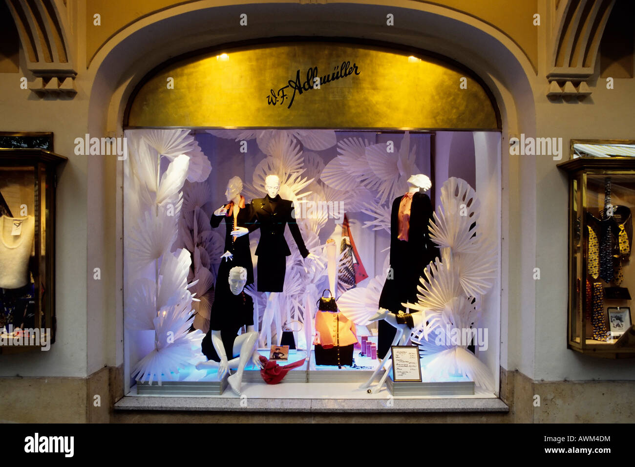 Shop window, Adlmueller couture boutique, Kaertnerstrasse St., Vienna, Austria, Europe - Stock Image