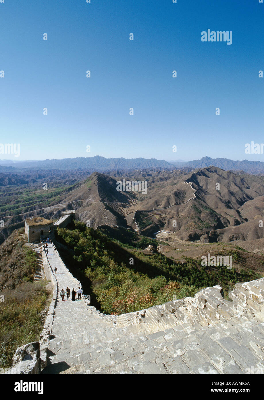 China, Hebei Province, Simatai, people walking on the Great Wall, high angle view Stock Photo