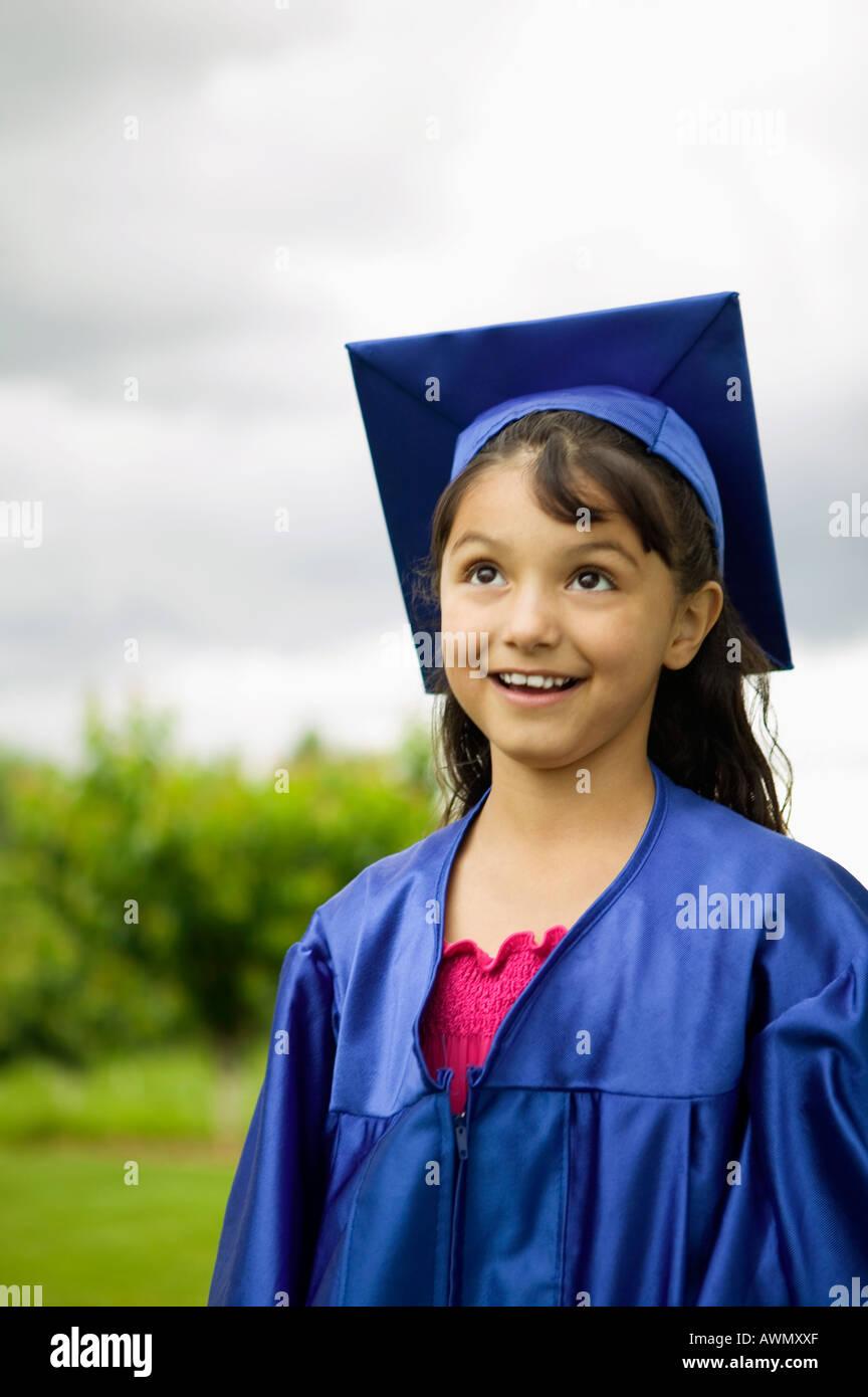 Hispanic Girl Graduation Stock Photos & Hispanic Girl Graduation ...