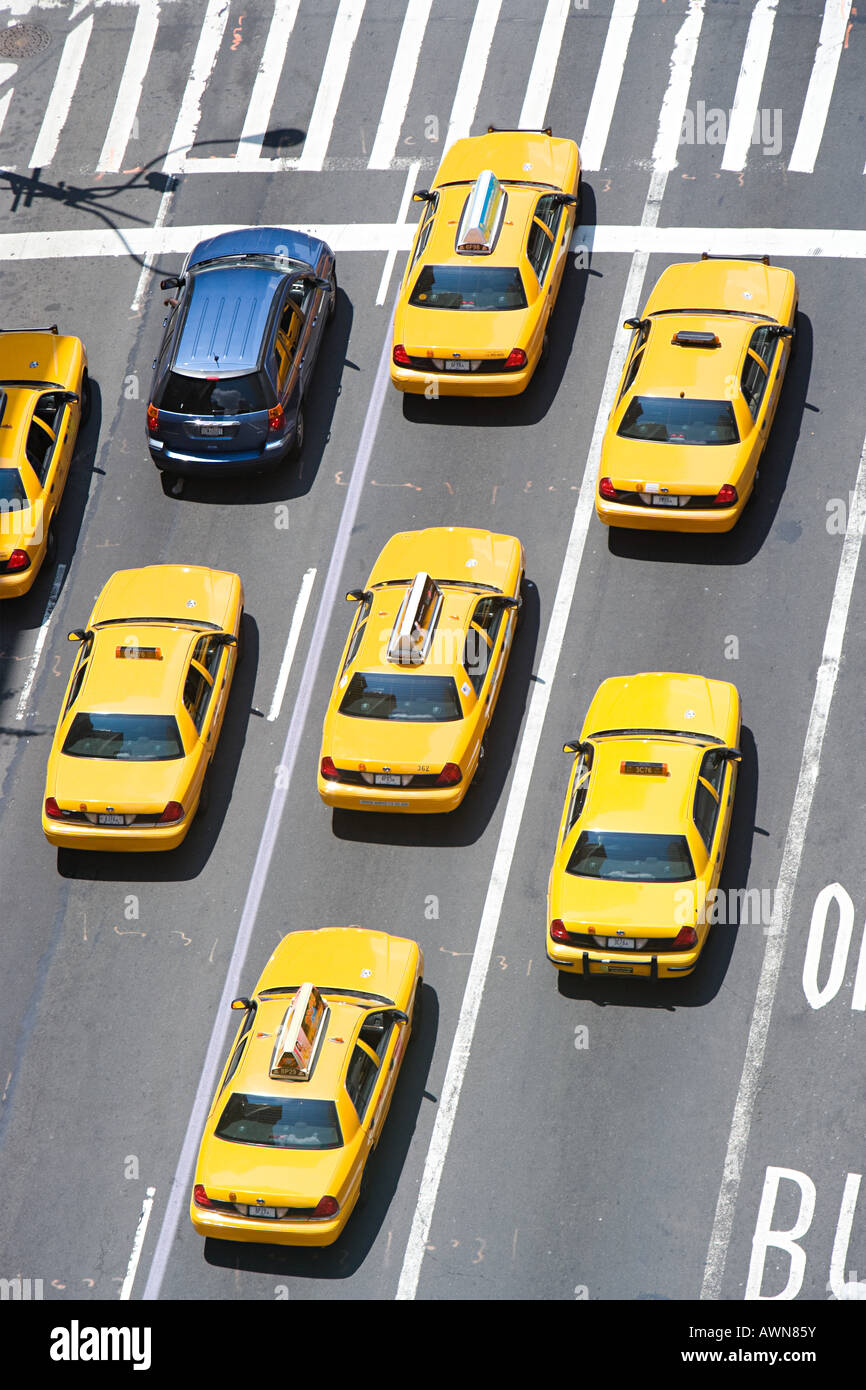 Car and new york taxicabs - Stock Image