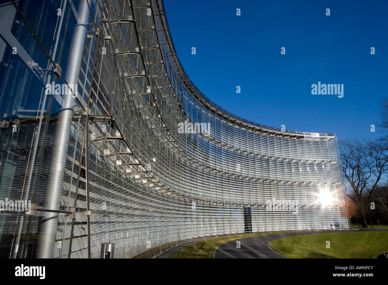 The administrative building of Bayer AG in Leverkusen das Verwaltungsgebäude der Bayer AG shading automatic - Stock Image