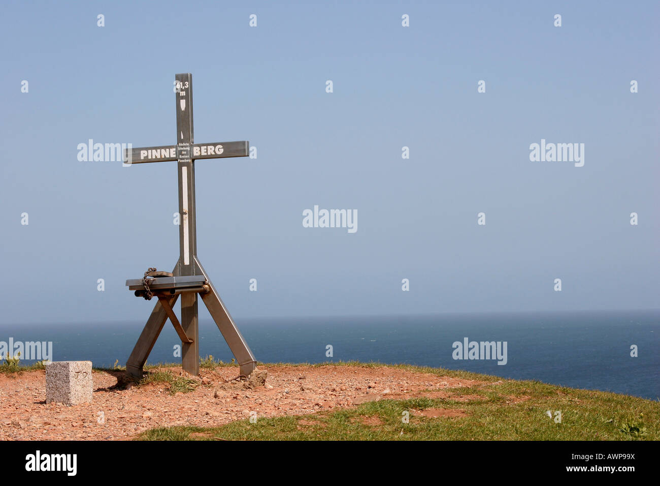 Mountain summit cross marking Heligoland island's highest point at 61.3 meters, County Pinneberg, Schleswig - Stock Image