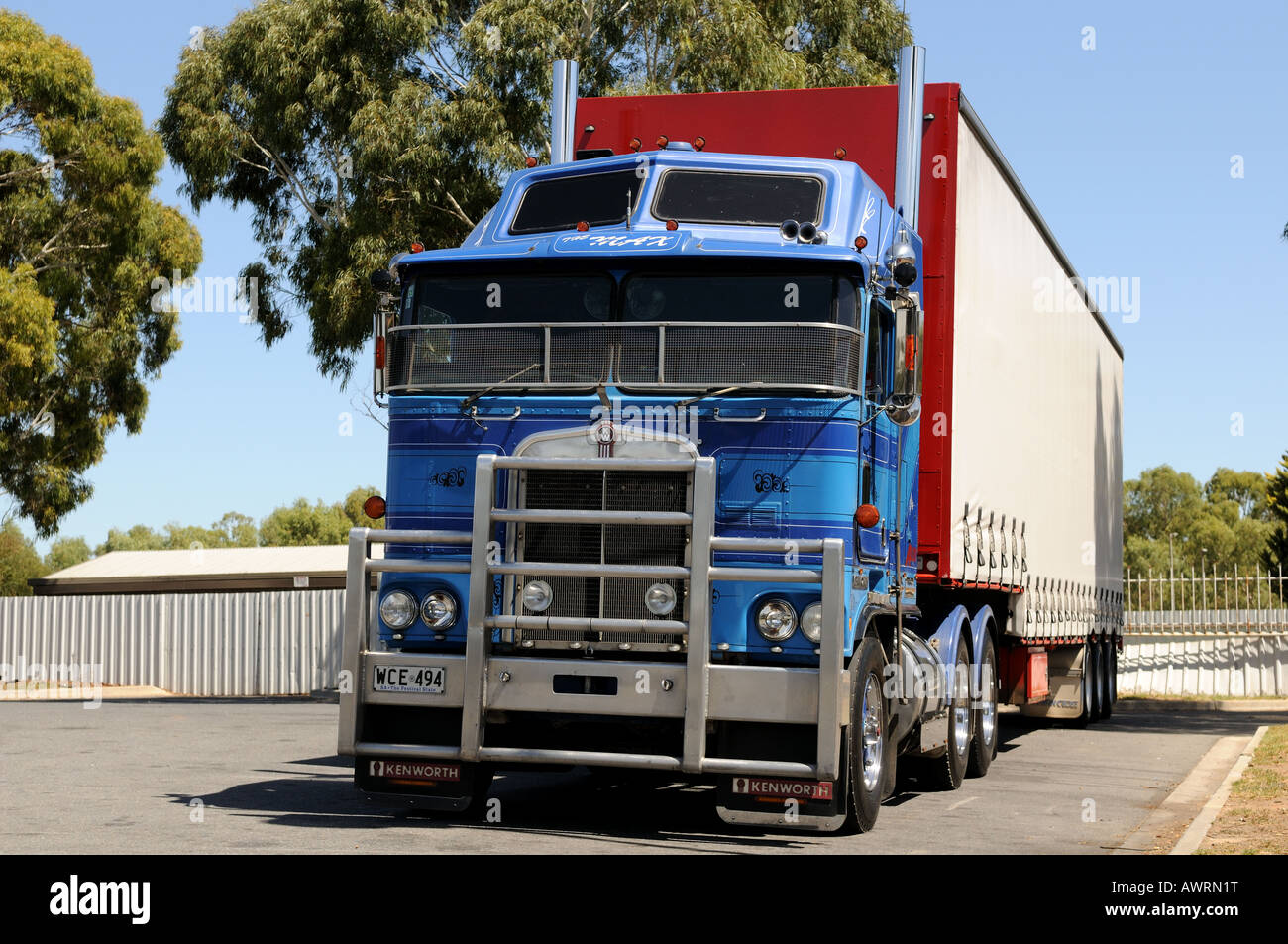 Cabover Truck Stock Photos & Cabover Truck Stock Images - Alamy