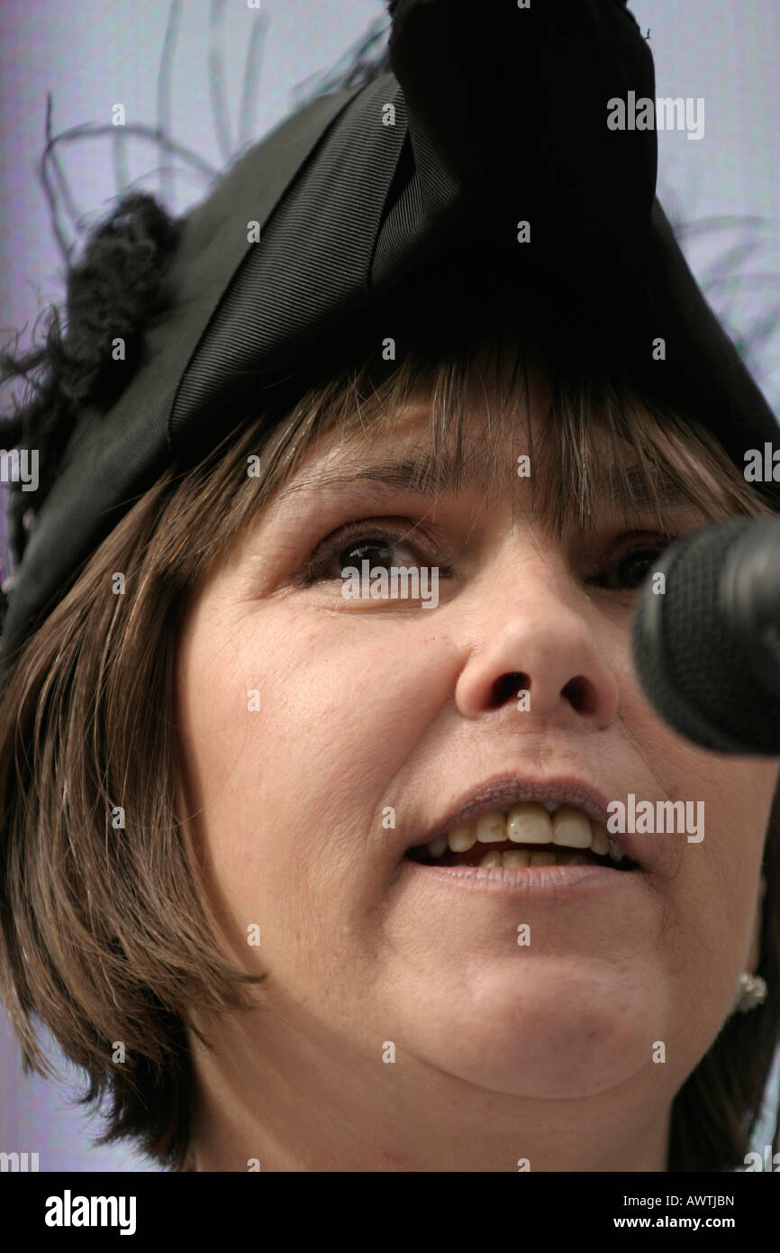 Jeannie Packer, Sheriff of Nottingham, speaking at the launch of Nottingham s Speakers Corner the first in the UK - Stock Image