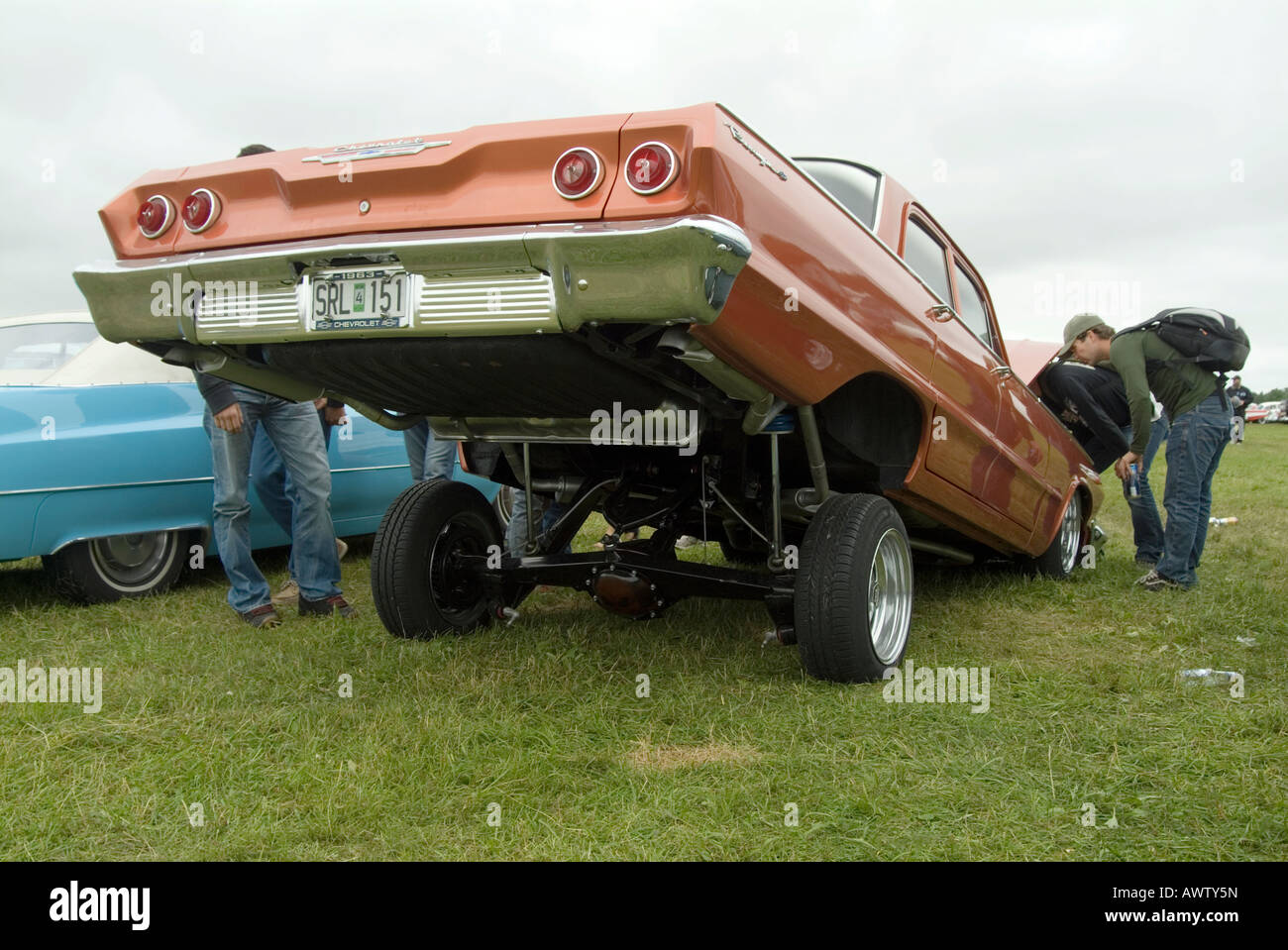 Low Rider Lowrider Air Suspension Bouncing Jacked Up Cool Chevy