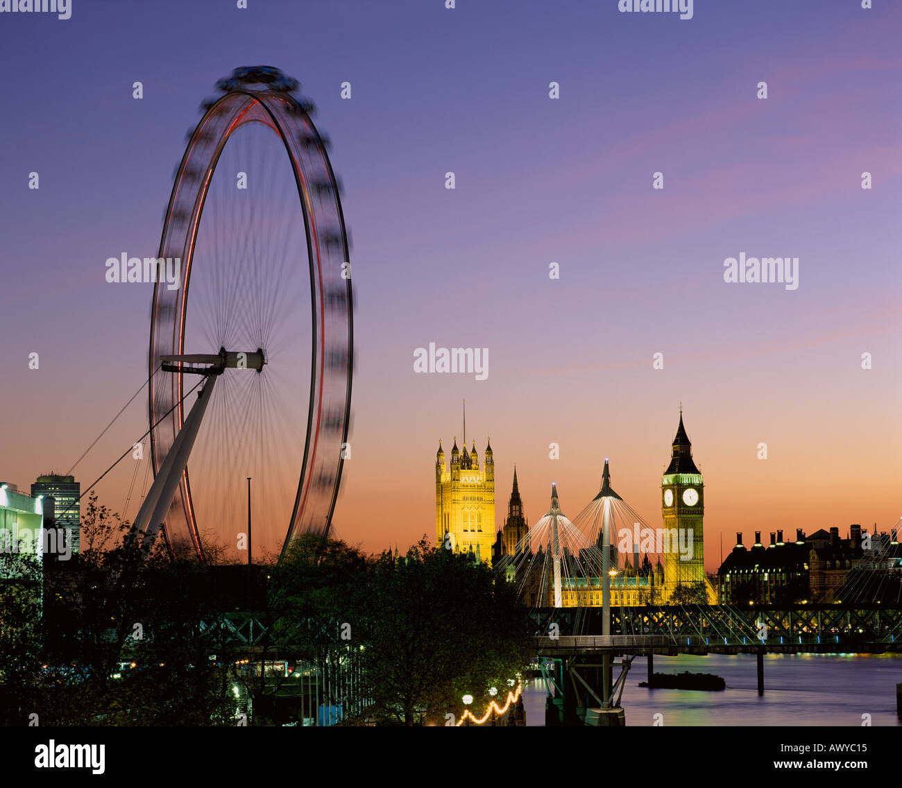 UK LONDON LONDON EYE AND RIVER THAMES AT DUSK Stock Photo