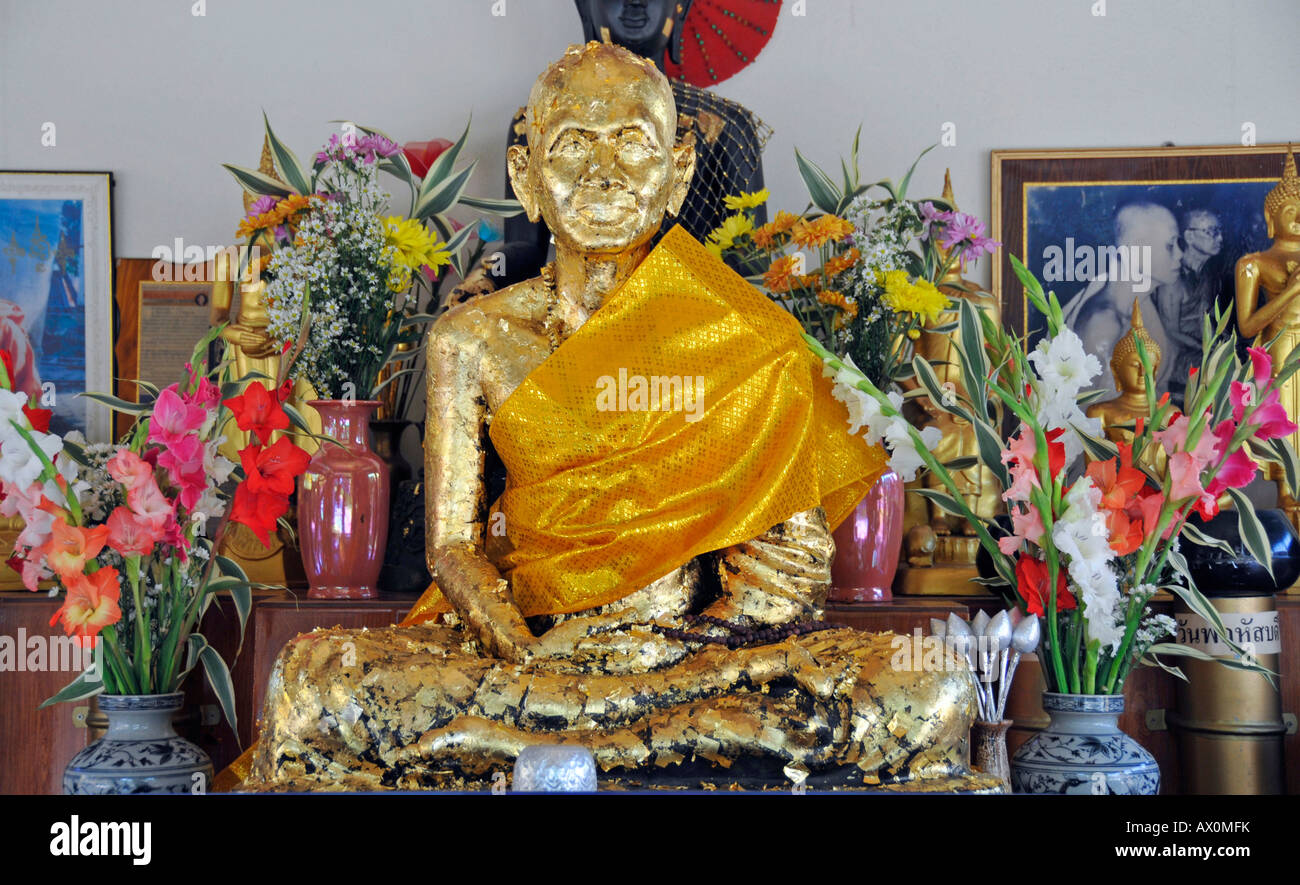 Gilded statue of a revered monk at Wat Phan On, Chiang Mai, Thailand, Southeast Asia, Asia - Stock Image