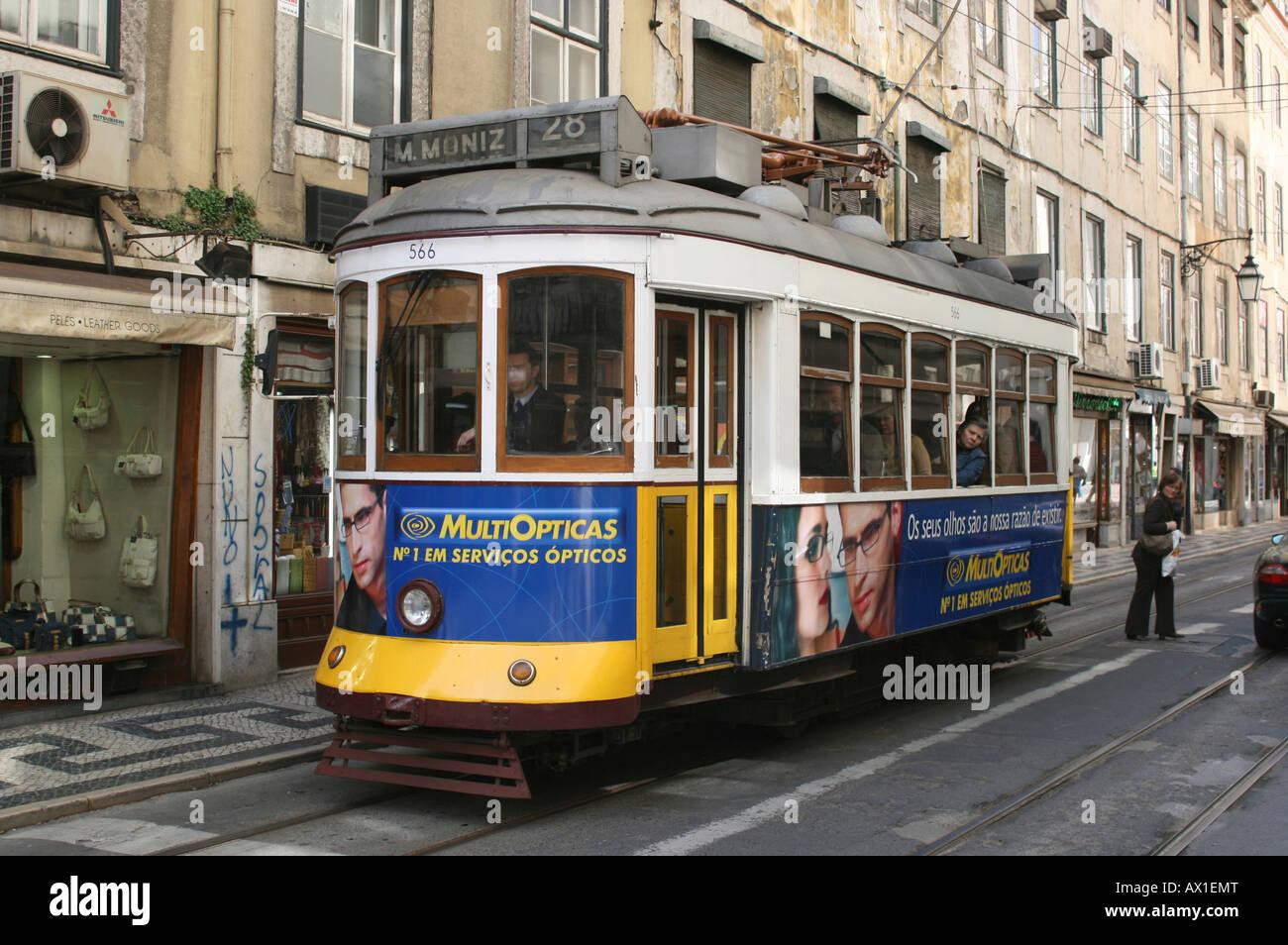 Tram, Lisbon, Região de Lisboa, Portugal, Europe - Stock Image