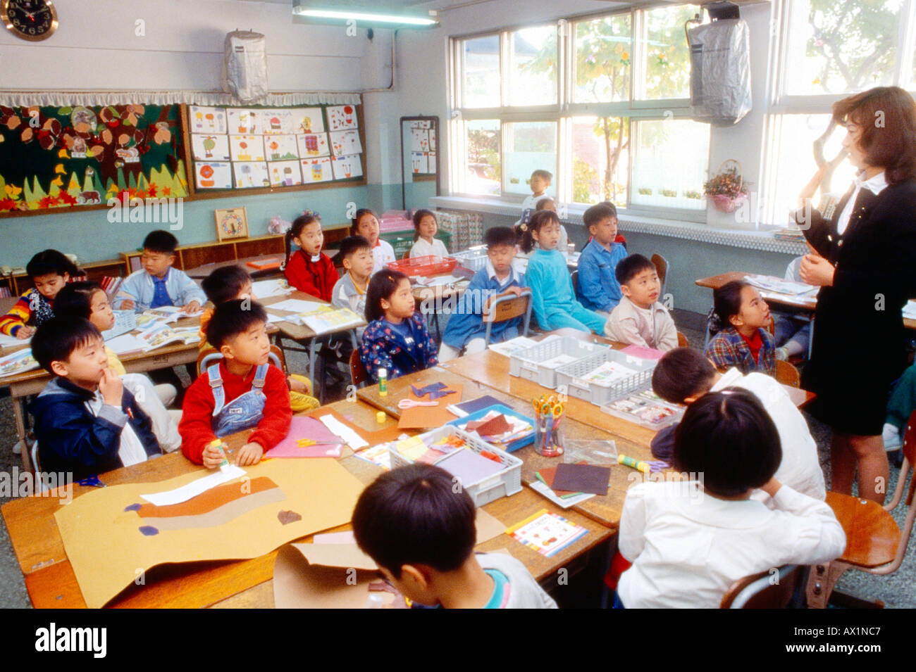 South korea school children stock photos south korea for Craft schools in nc