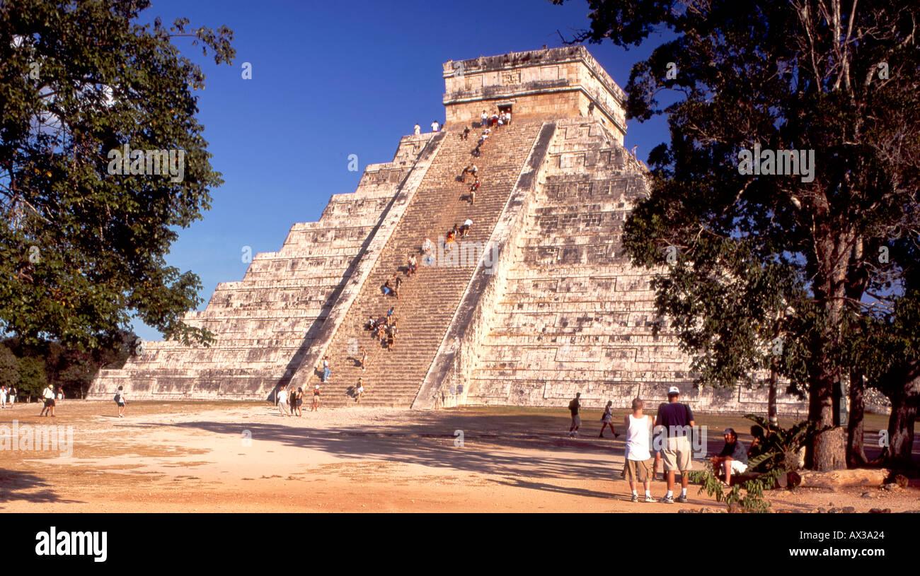Mexico Chichen Itza Maya Ruins Yucatan Pyramid El Castillo  - Stock Image