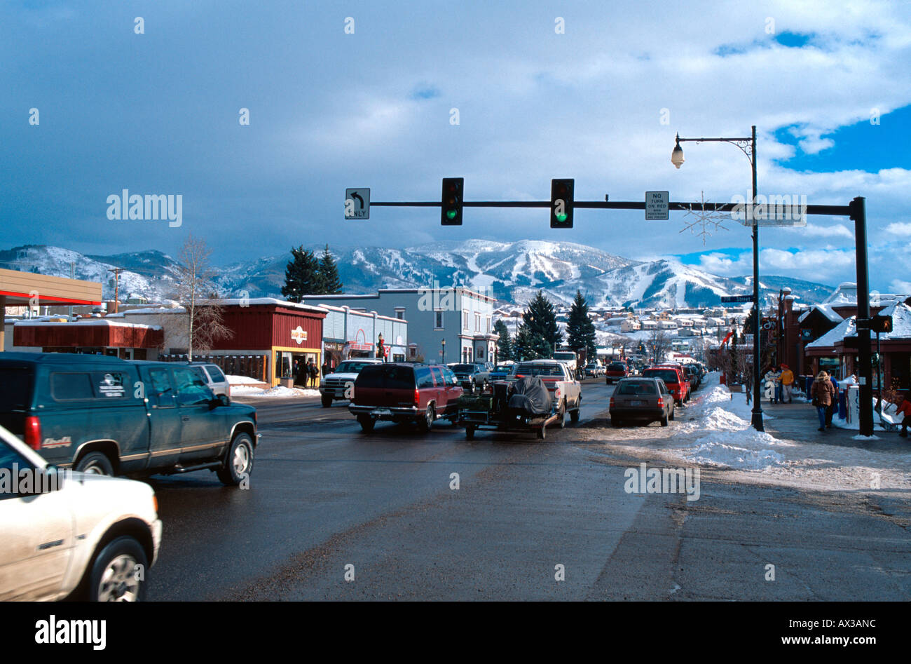 Traffic on Lincoln Avenue (US Hwy 40) in Steamboat Springs