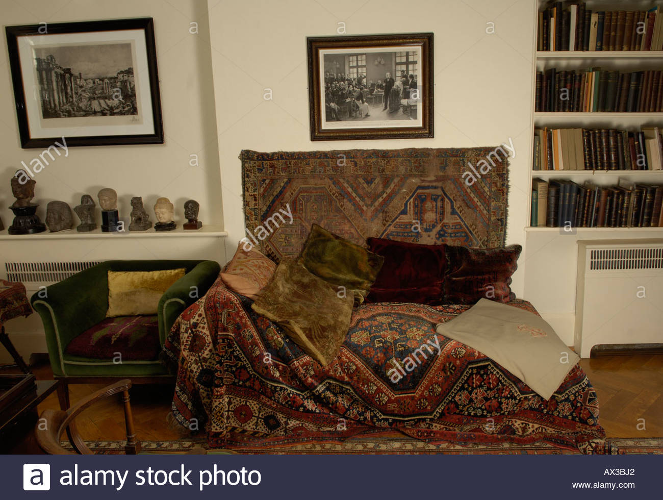 The Sigmund  Freud Museum in London  The couch of Sigmund Freud CREDIT Geraint Lewis - Stock Image