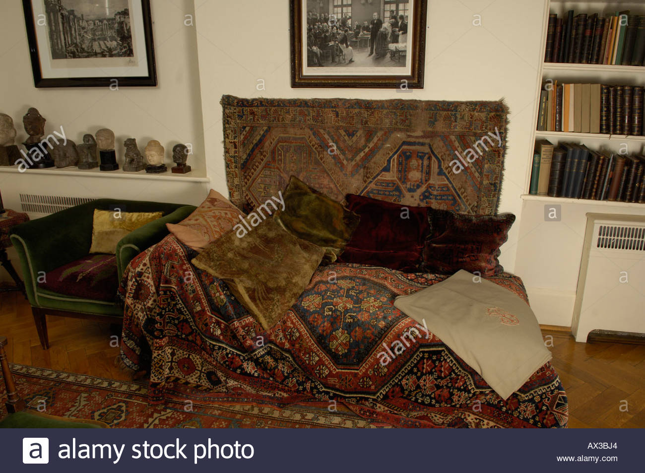 The Sigmund  Freud Museum in London  The couch of Sigmund Freud - Stock Image