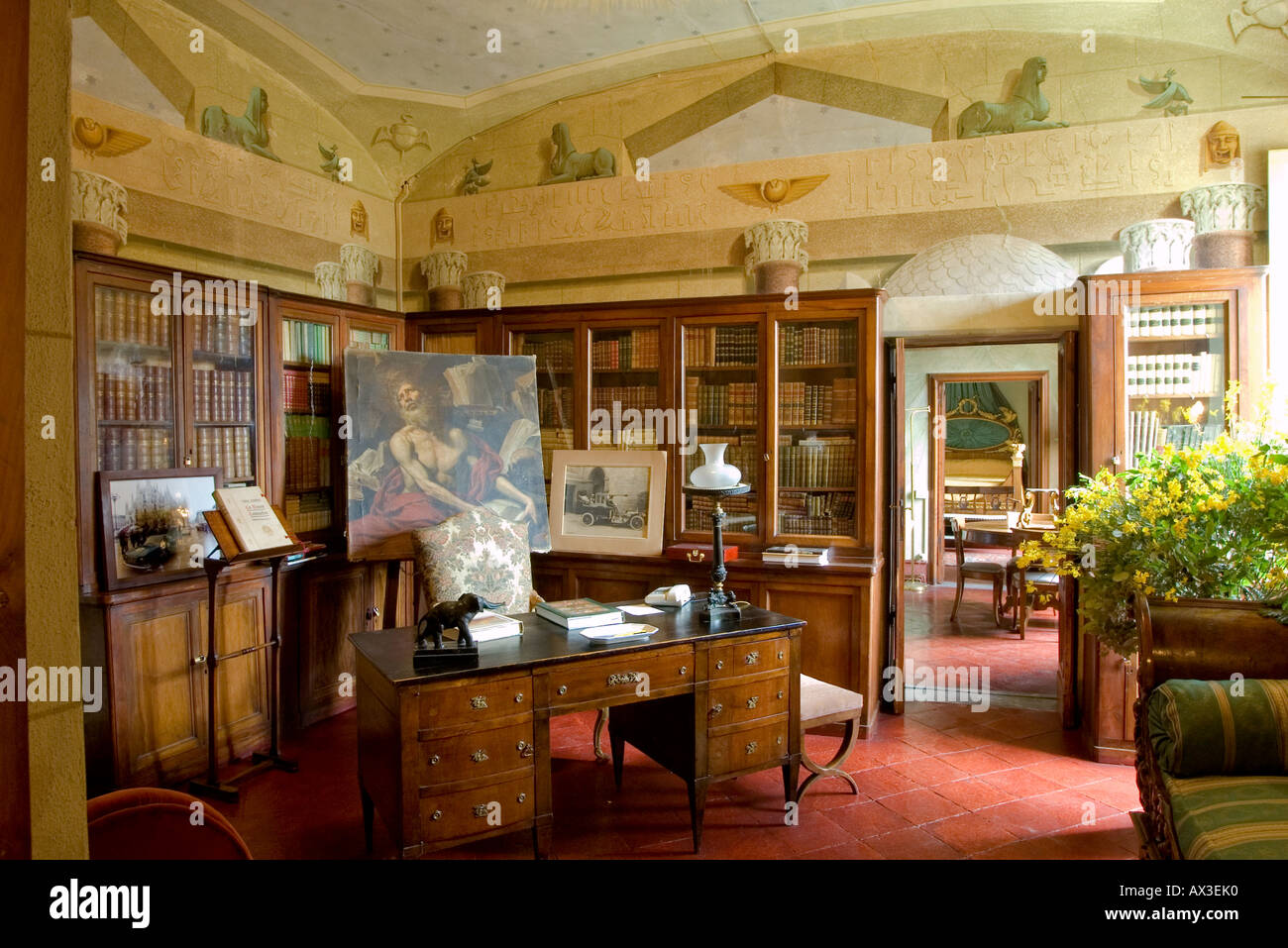 Library in an ornate Italian Villa in Tuscany with antique furniture - Library In An Ornate Italian Villa In Tuscany With Antique Furniture