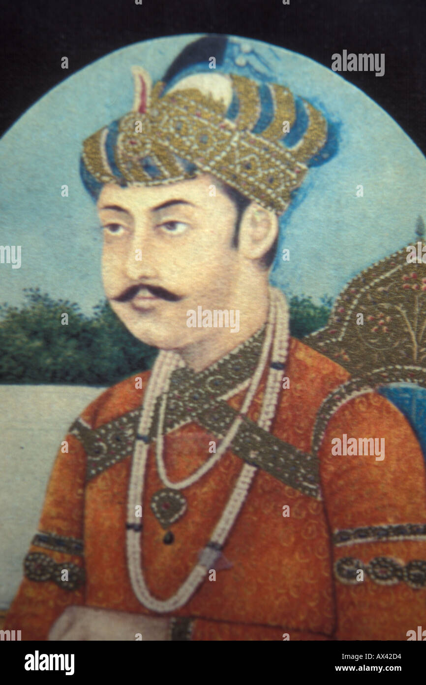 the mughal emperors were members of By 1689, almost all of southern india was a part of the mughal empire and after the conquest of golconda, mughal victories in the south expanded the mughal empire to 4 million square kilometres, [8] with a population estimated to be over 158 million.