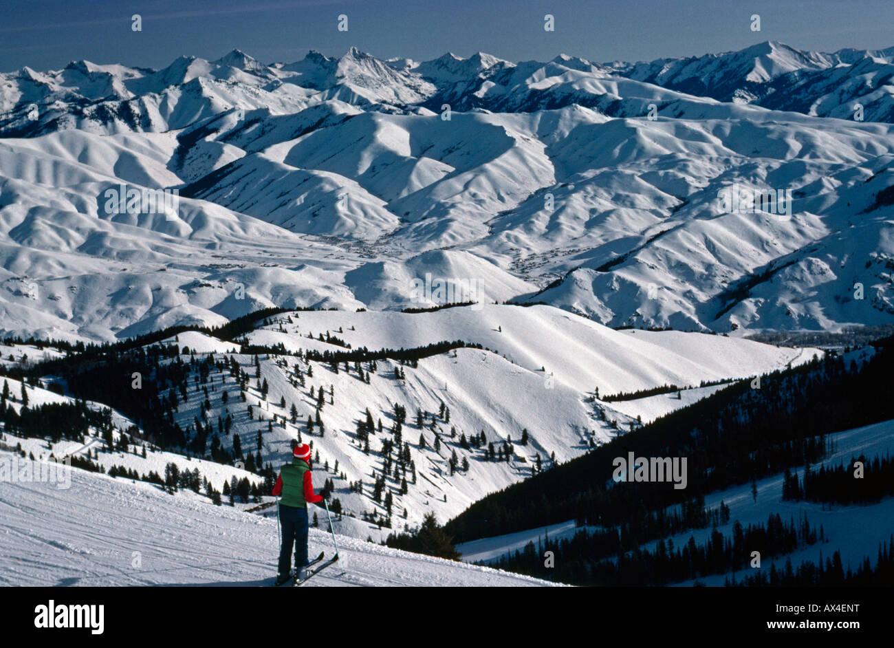 Skier at viewpoint, Sun Valley, Idaho - Stock Image