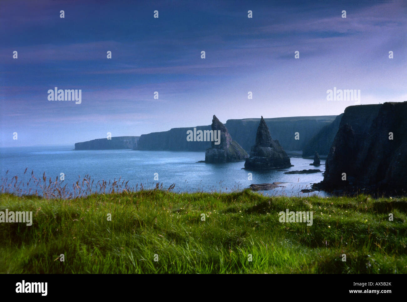 John O' Groats, Caithness, Wick Highland, Dunnet, Thurso, steep coastline in Scotland, UK, Europe - Stock Image