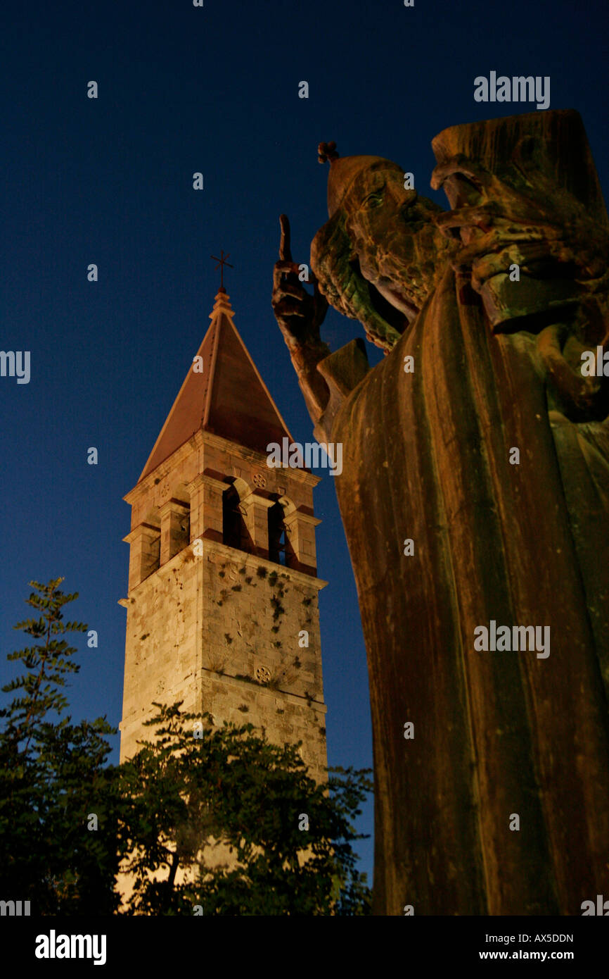 Statue of Grgur Ninski (Gregor of Nin) at night, Split, Croatia, Europe - Stock Image