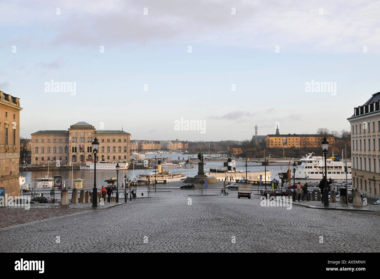 National Museum (left) and the Moderna Museum (right), Slottsbacken, Gamla Stan, Stockholm, Sweden, Scandinavia, - Stock Image