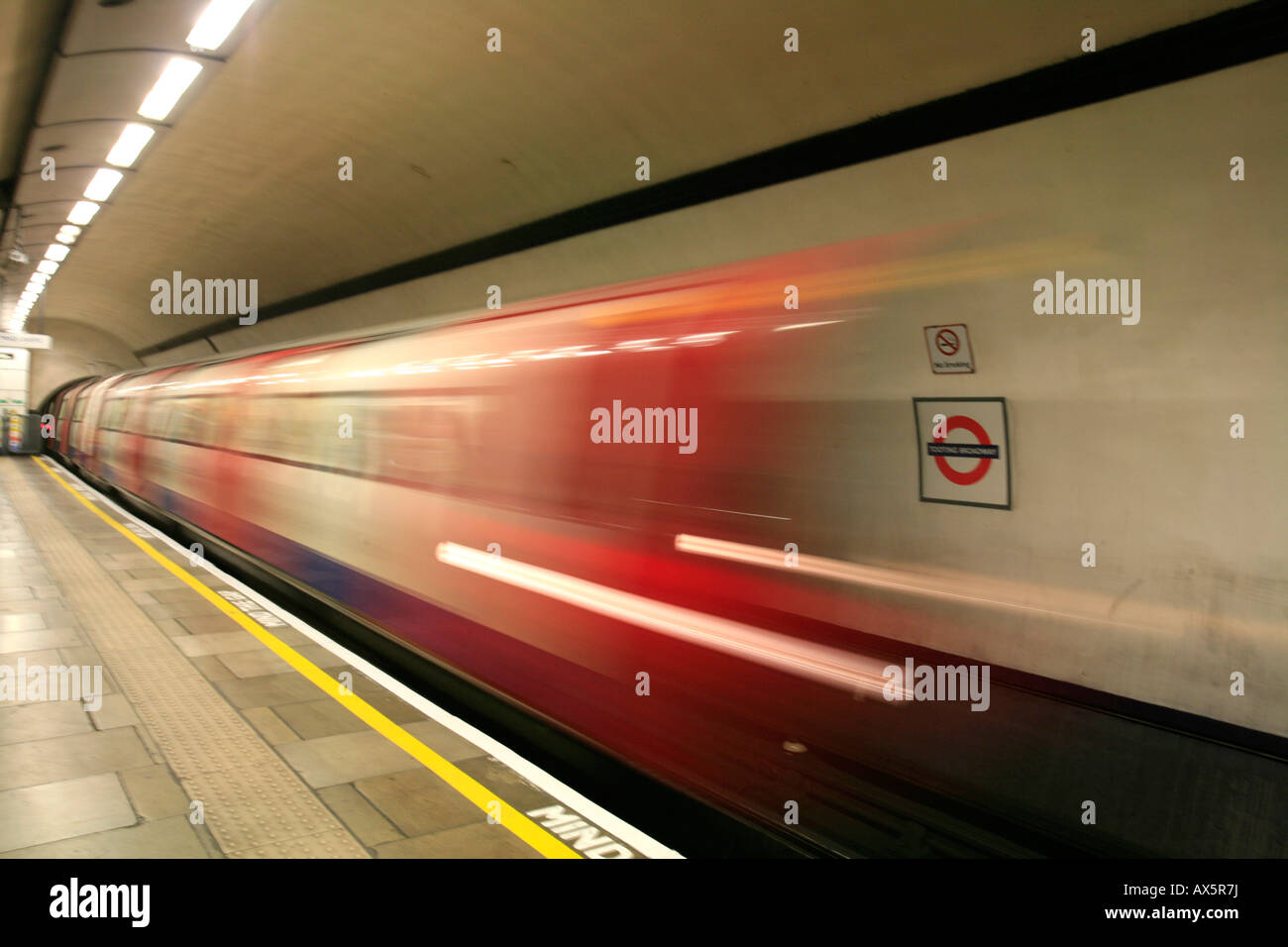 Train arriving at Tooting Broadway underground station, London, England, UK, Europe - Stock Image