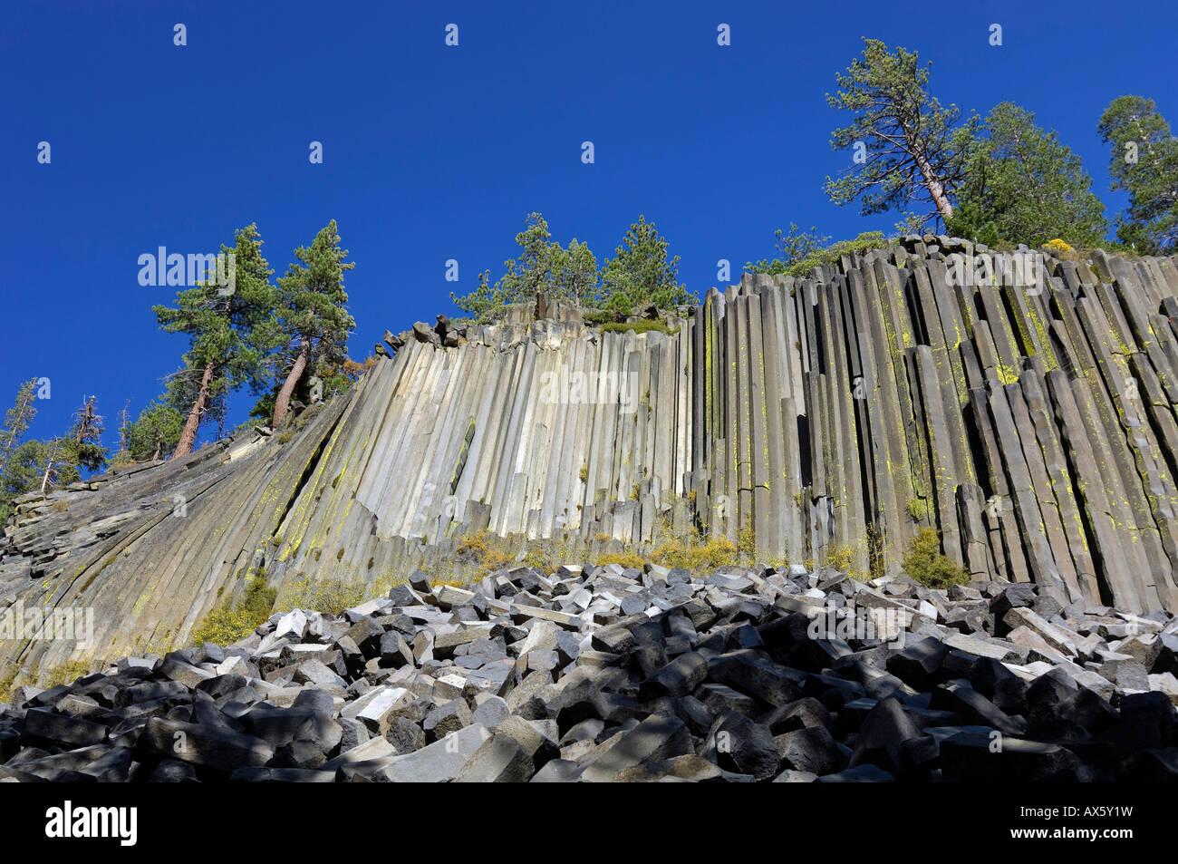 Basalt columns at Mammoth Lake, Devil's Postpile National Monument, California, USA - Stock Image