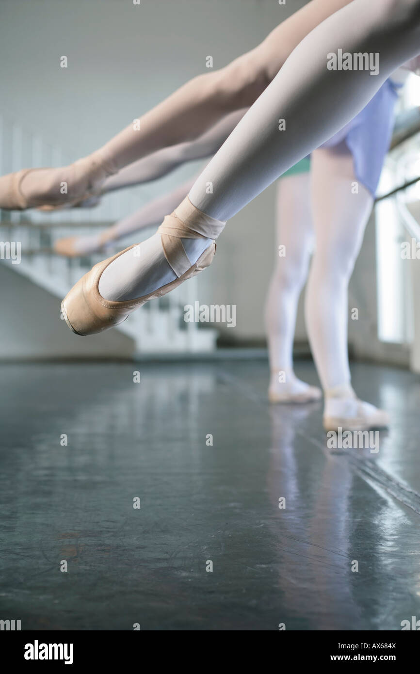 Female ballet dancers exercising - Stock Image