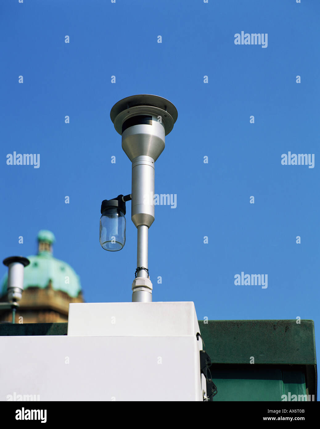 Air pollution monitor - Stock Image