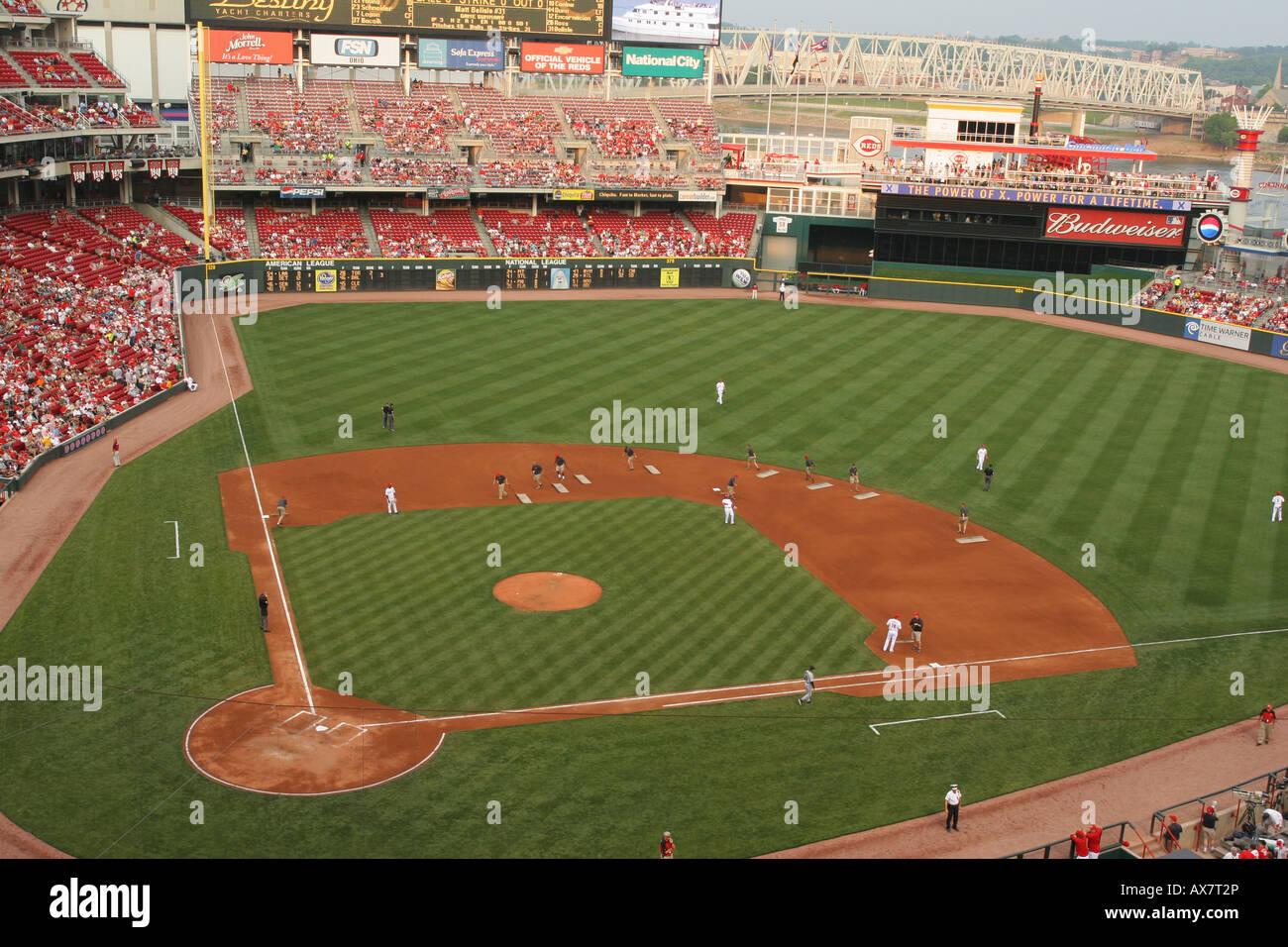 Great American Ball Park Cincinnati Ohio Cincinnati Reds baseball team home field Preparing the field for play - Stock Image