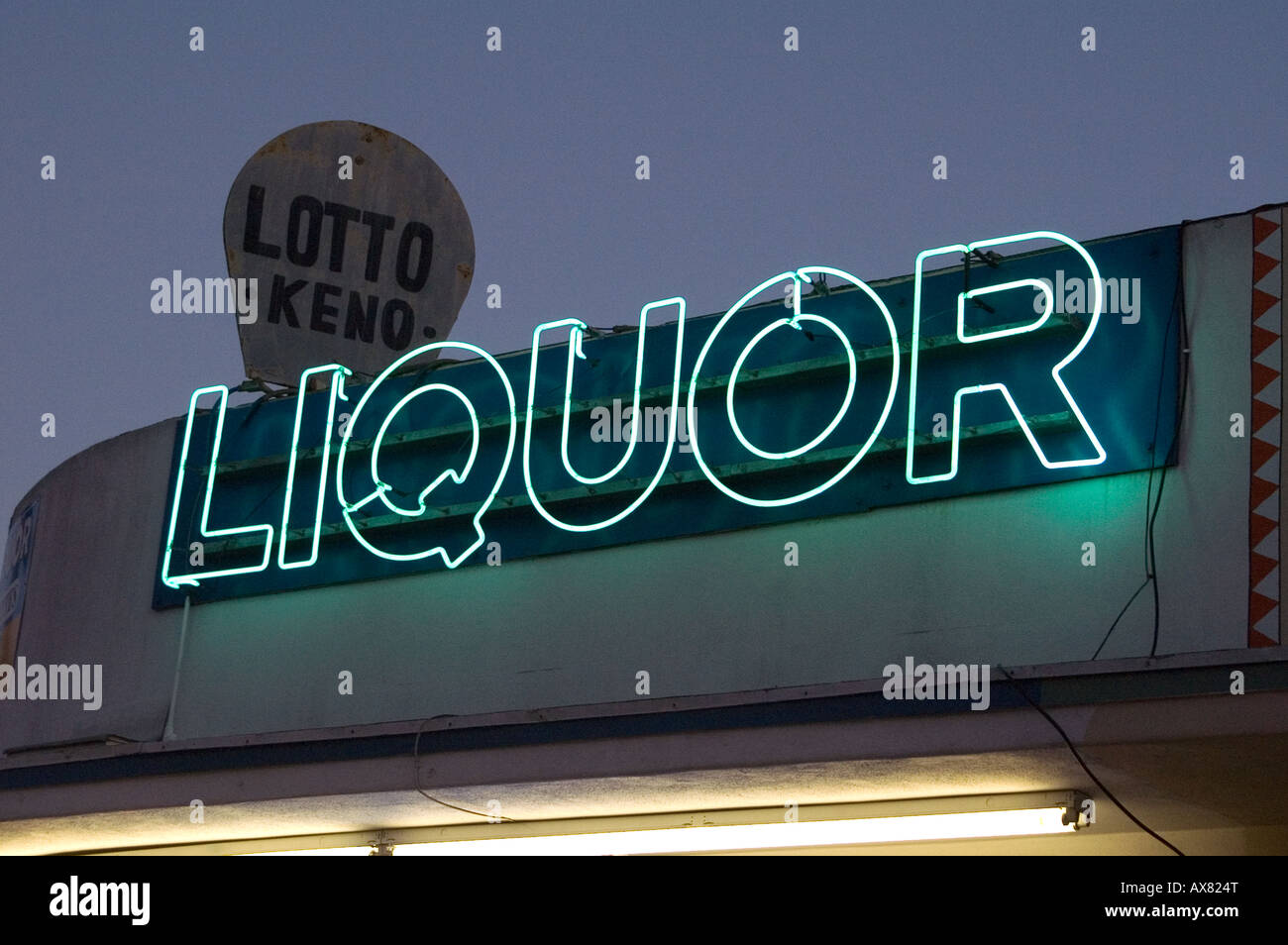 Liquor store sign in San Diego - Stock Image