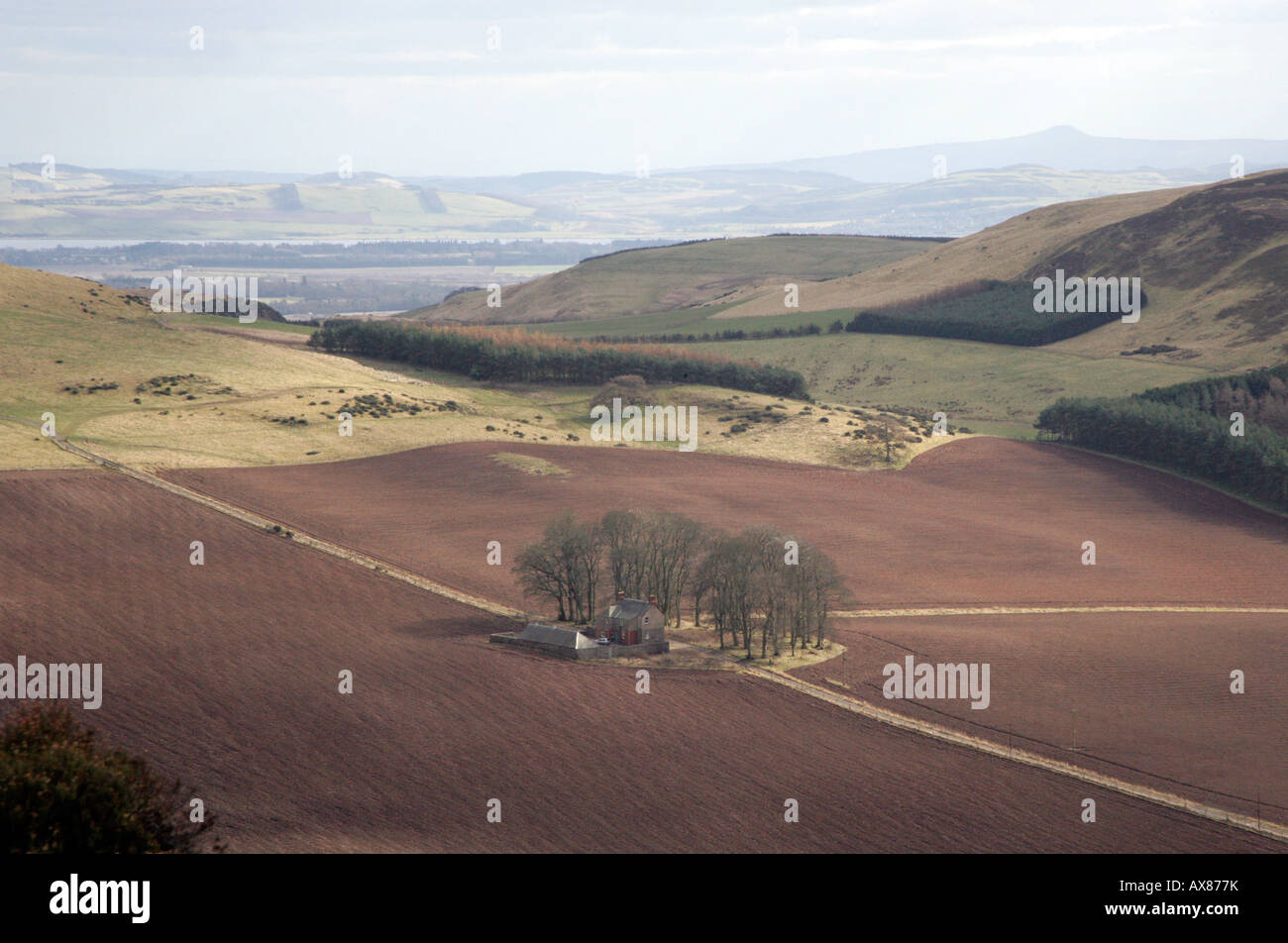 FARM SCENE AT FOOT OF DUNSINANE HILL OF MACBETH FAME,PERTHSHIRE, SCOTLAND,UK - Stock Image