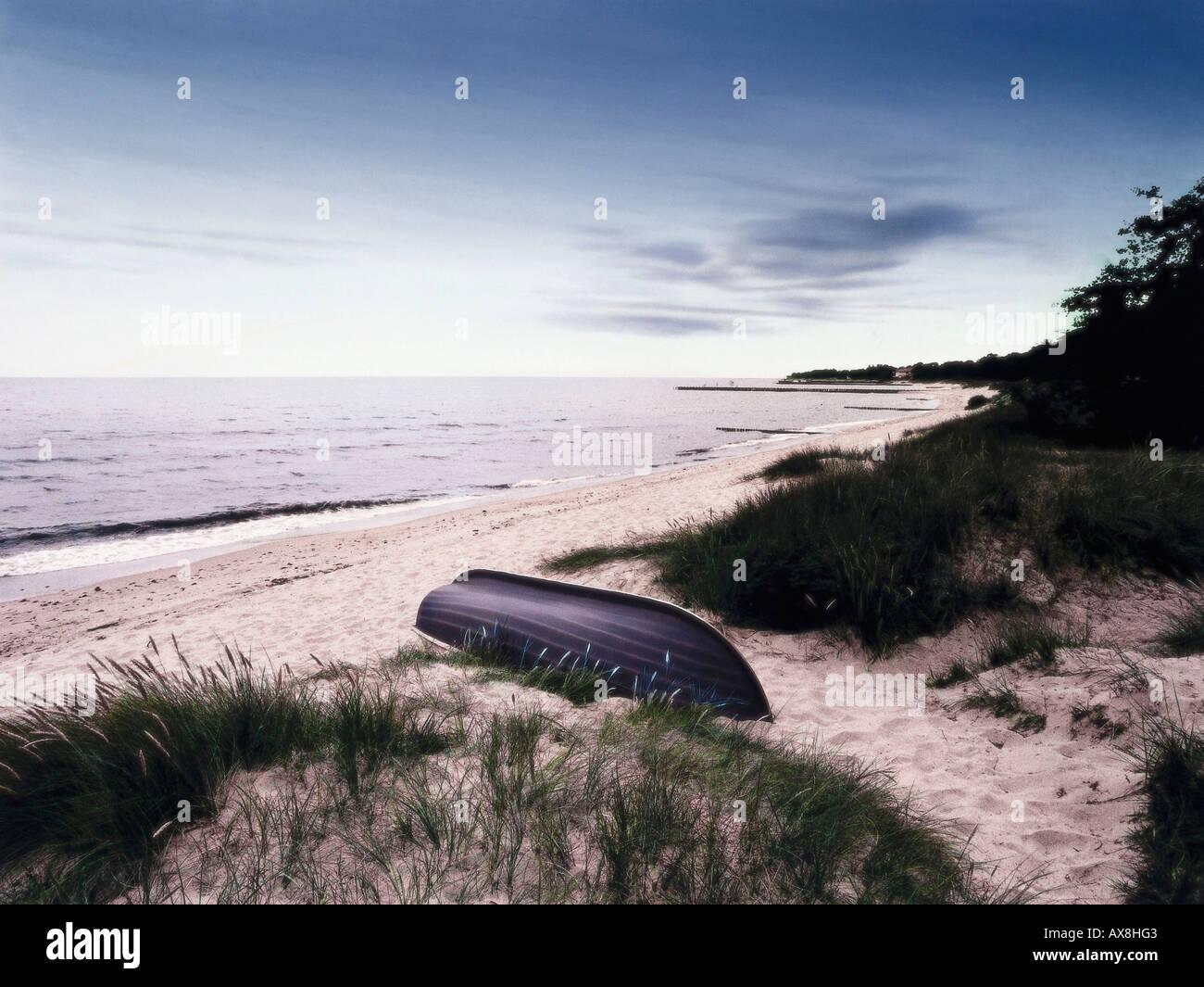 Theme: Henning Mankell, die falsche Faehrte, beach at Ystad Skane, Sweden - Stock Image