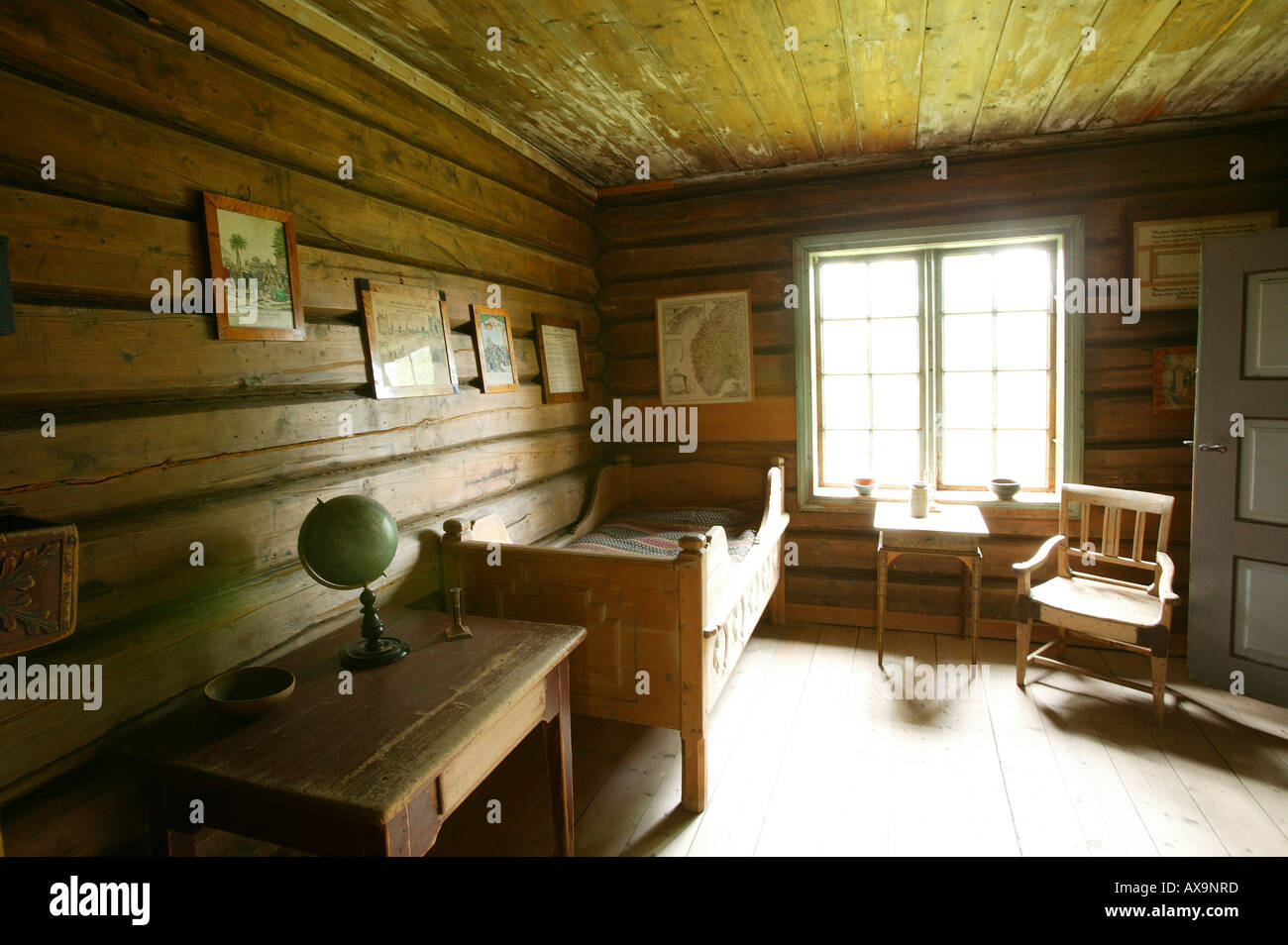 Inside view of an old farmhouse, Gutbrandsdal Farmhouse, Open Air ... for Old Farmhouse Inside  157uhy