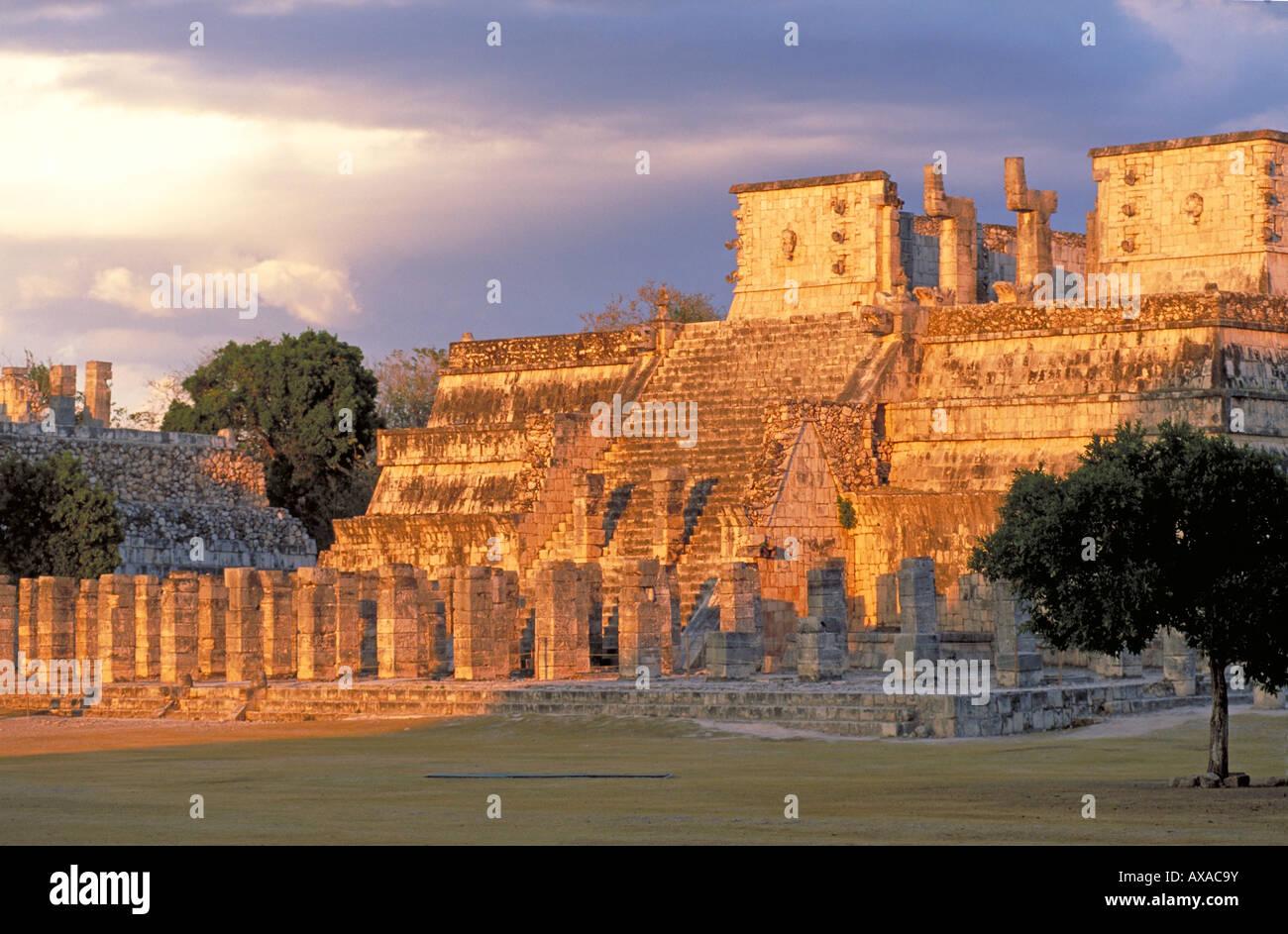 Elk156 1725 Mexico Yucatan Chichen Itza Temple of the Warriors Mayan Post Classic Totlec period 900 1200 - Stock Image