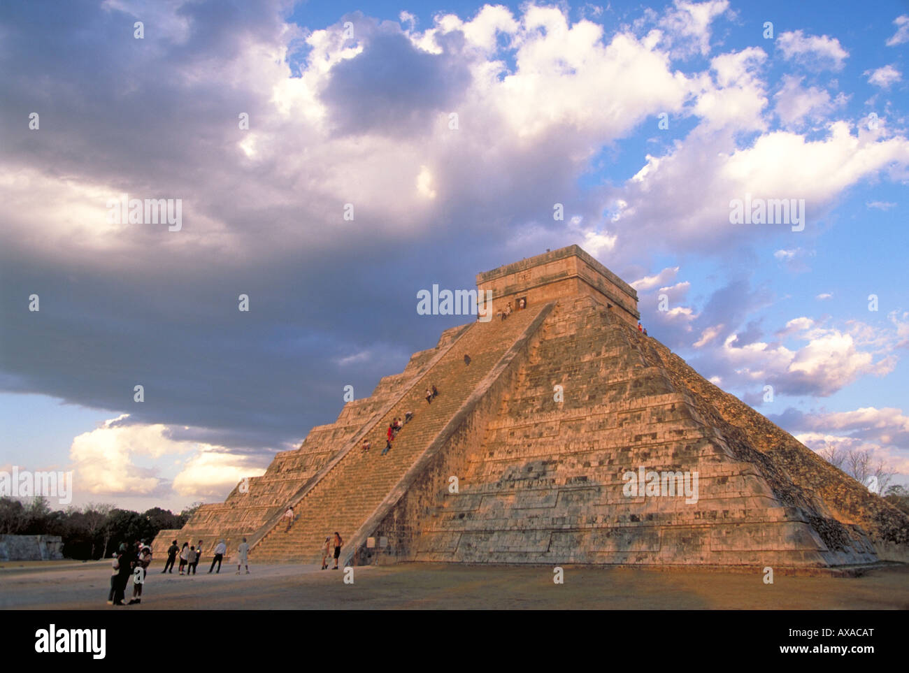 Elk156 1837 Mexico Yucatan Chichen Itza El Castillo Pyramid of Kukulcan Mayan Post Classic Toltec period 900-1200 - Stock Image