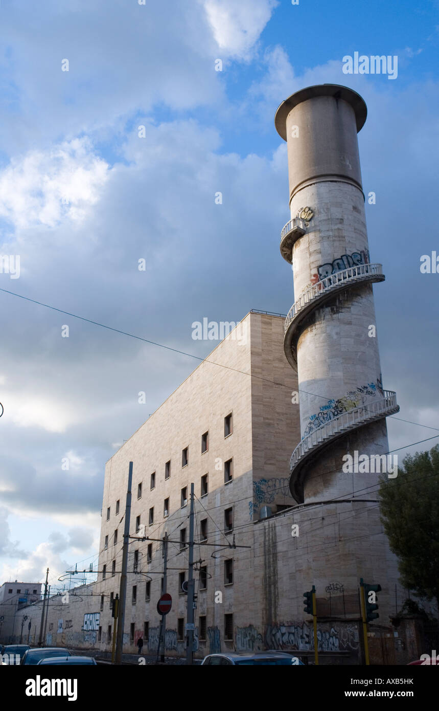 Torre serbatoio della stazione termini in rome stock photo for Affitto ufficio roma stazione termini
