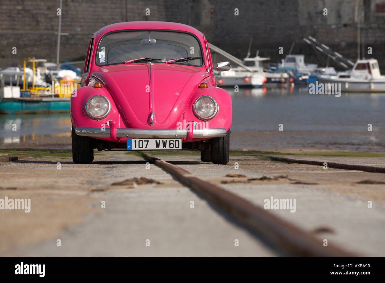 Pink VW beetle Chippy Cox France. Owner release OK - Stock Image