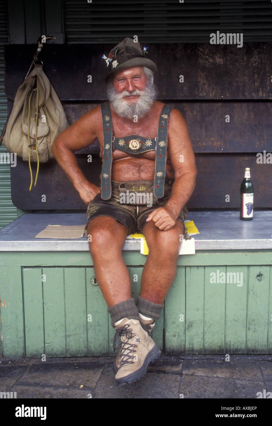 Man dressed in Lederhosen, market, Munich, Bavaria, Germany - Stock Image
