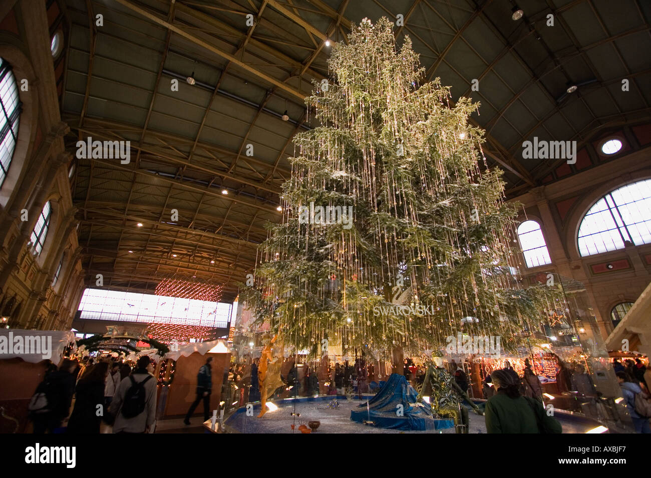 Switzerland Zurich main station christmas illumination christmas tree from Sawarowski with - Stock Image