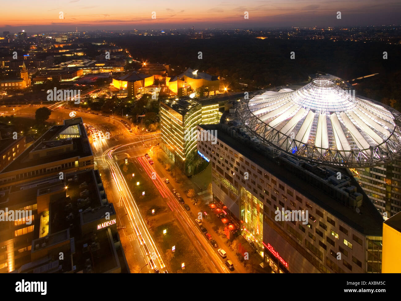 Berlin Potsdamer Platz Sony Center Atrium umbrella roof new forum covered by a cupola arch architecture by Helmut Jahn Murphy Ch - Stock Image