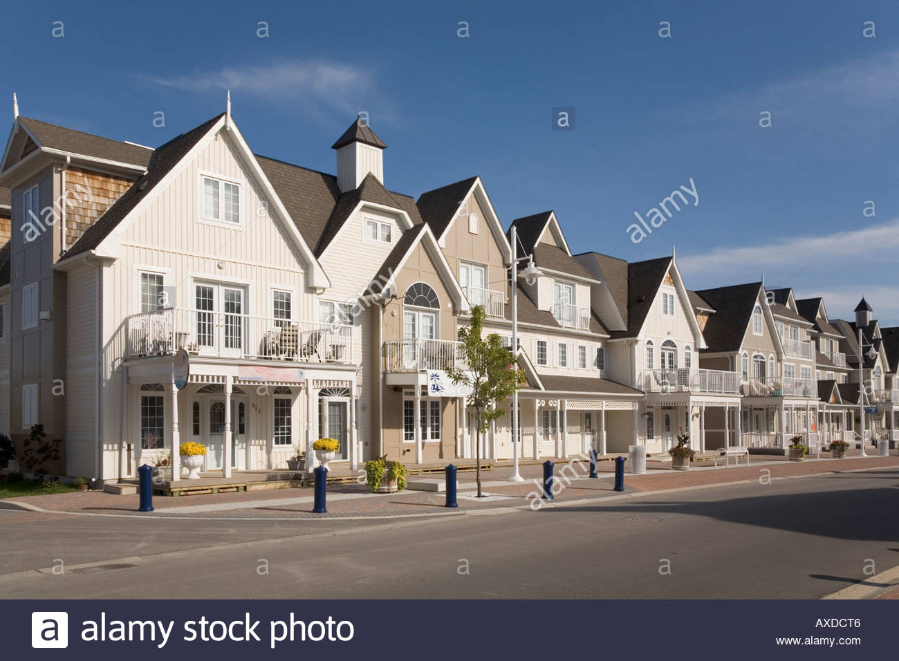 Great lakes nautical village condominium homes an example for New homes canada
