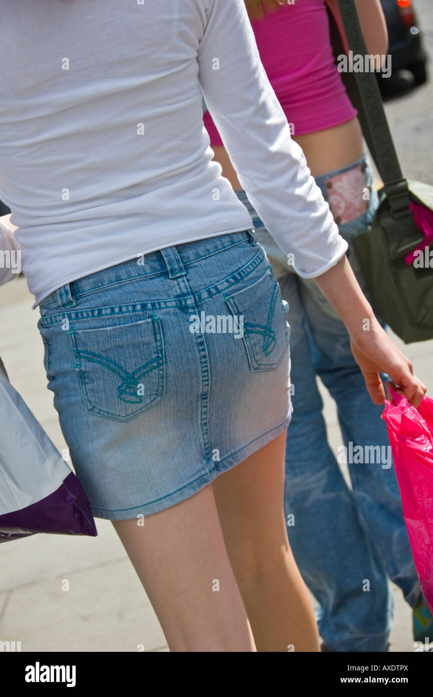 Young teen candid shorts