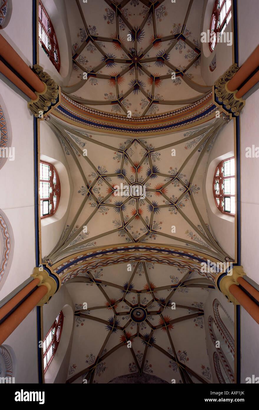 Linz am Rhein, alte Katholische Pfarrkirche St. Martin, Blick von Nordosten - Stock Image