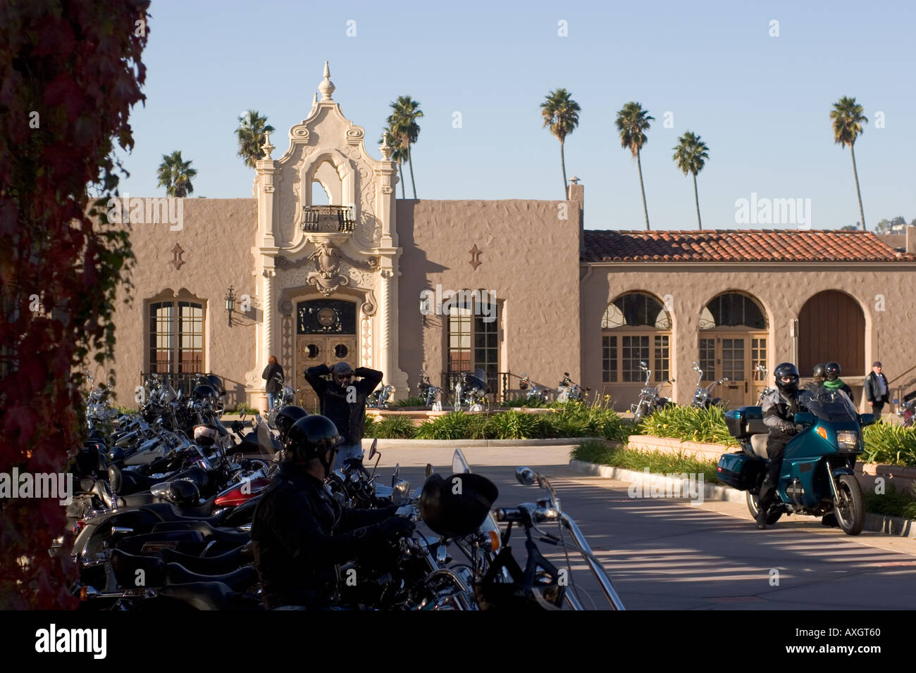 Overflow Parking At The Glendale Train Station For Charity Motor