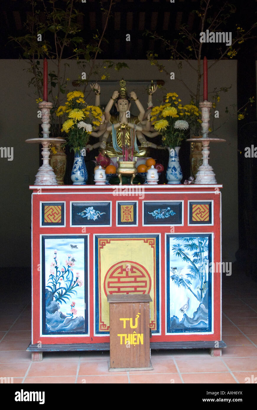 Altar in Buddhist temple Thuy Son Marble Mountains Danang - Stock Image