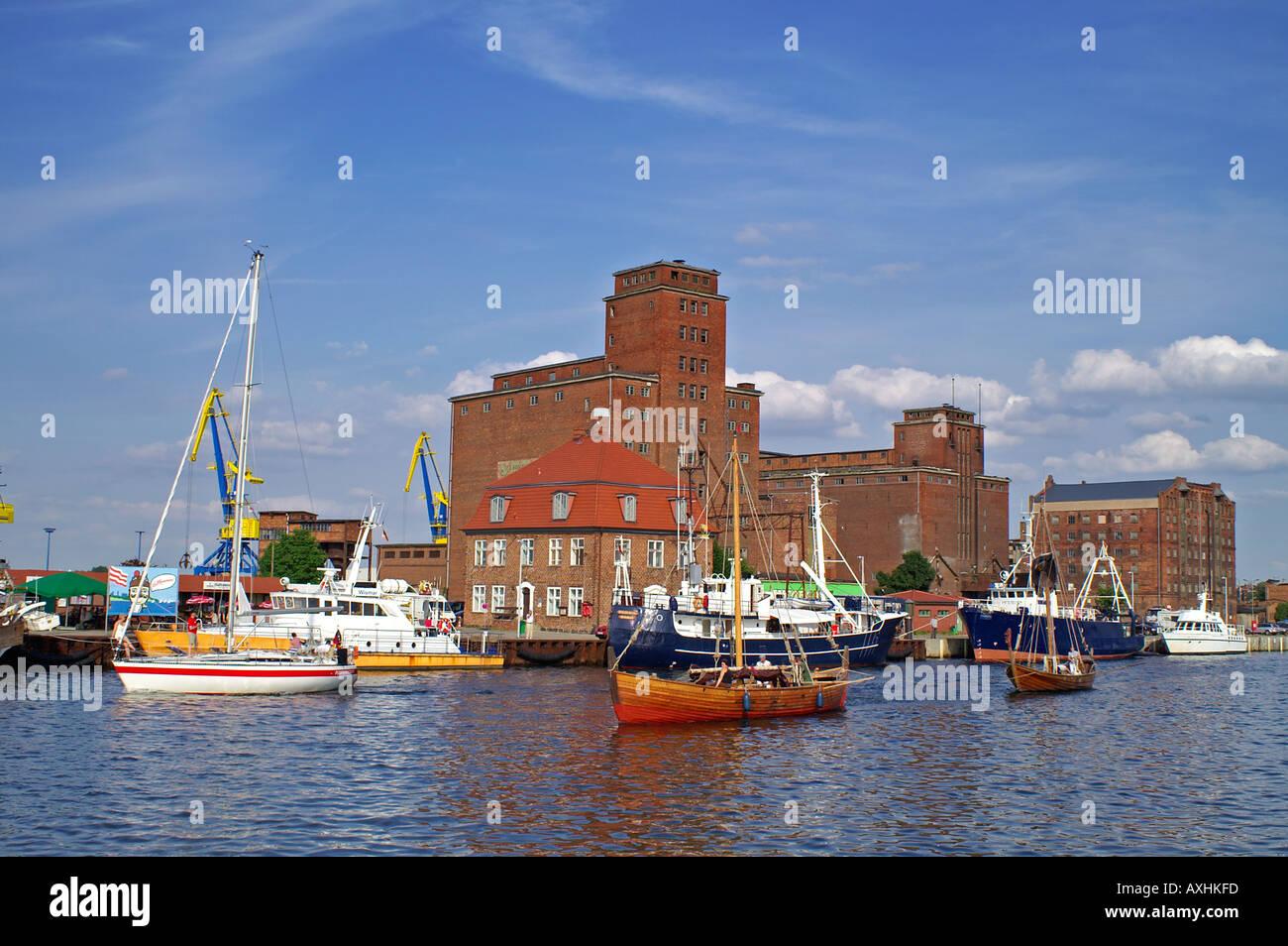 Hafen Wismar Speicher Segelboote storehouse reservoir - Stock Image