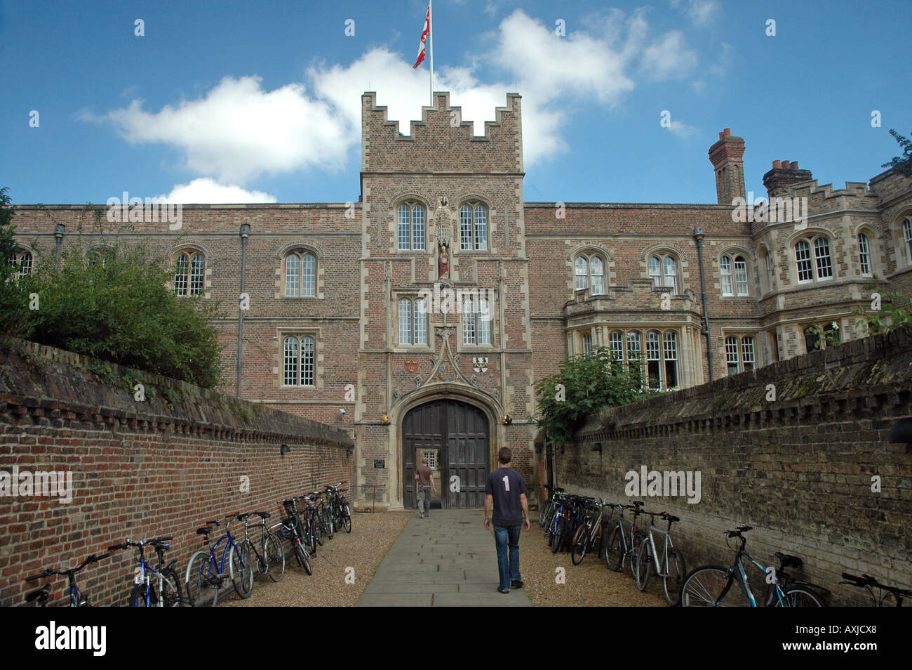 Entrance and walls of Jesus College in Cambridge, UK - Stock Image