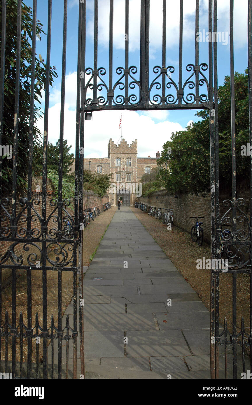 Entrance, walls and gatehouse of Jesus College in Cambridge, UK Stock Photo