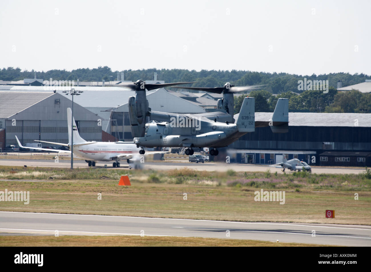 Interesting V Stock Photos Images Alamy 22 Osprey Engine Diagram Bell Boeing Aircraft Landing After Flying Display At Farnborough International Airshow July 2006