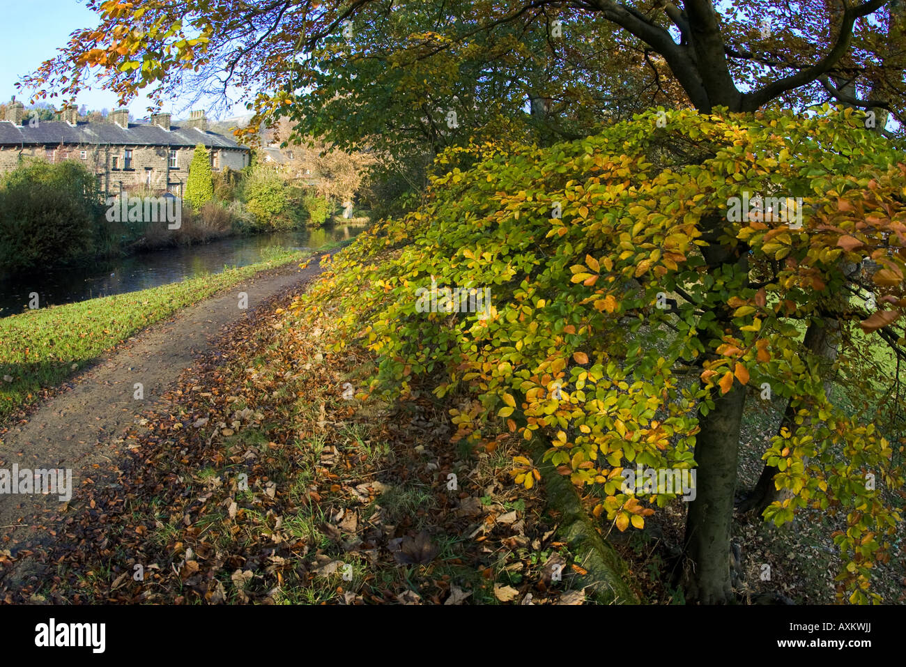 Huddersfield Narrow Canal at Greenfield - Stock Image